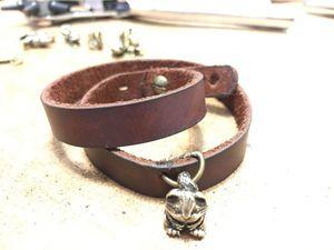 Как сделать кожаный браслет за 40 минут. Ярмарка Мастеров - ручная работа, handmade.