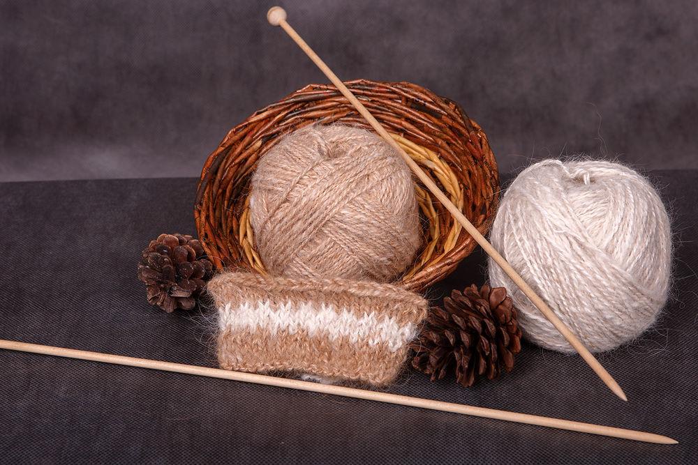 собачья шерсть, пряжа, пряжа для вязания, пряжа на заказ, прялка, тёплый шарф, теплый подарок, тёплый снуд, собачка, белый цвет, рыжий, вязание, вязание на заказ, детям