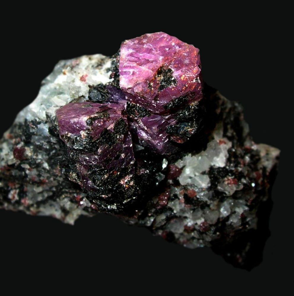 рубин, натуральные камни, красный камень, оберег
