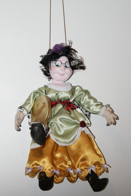 Мадам Брошкина или Муха-Цокотуха