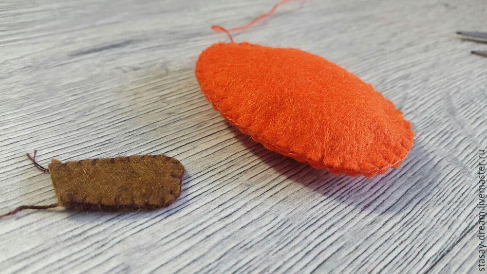 Sewing a Pumpkin Brooch, фото № 4