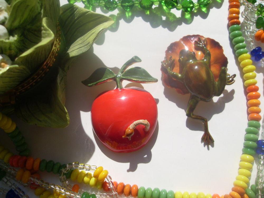 новость, винтаж, винтажные украшения, винтажная брошь, винтажная бижутерия, original by robert, яблоко, лягушка