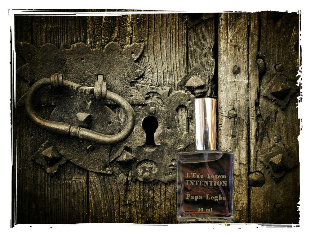 эстафета с интервью, духи ручной работы, парфюмерные тотемы