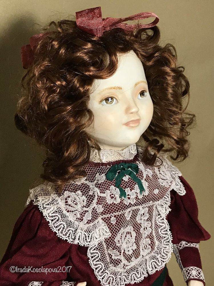 кукла в винтажном стиле