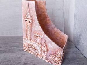 Газетница (журнальница, подставка) с объемной картиной из шпаклевки. Ярмарка Мастеров - ручная работа, handmade.