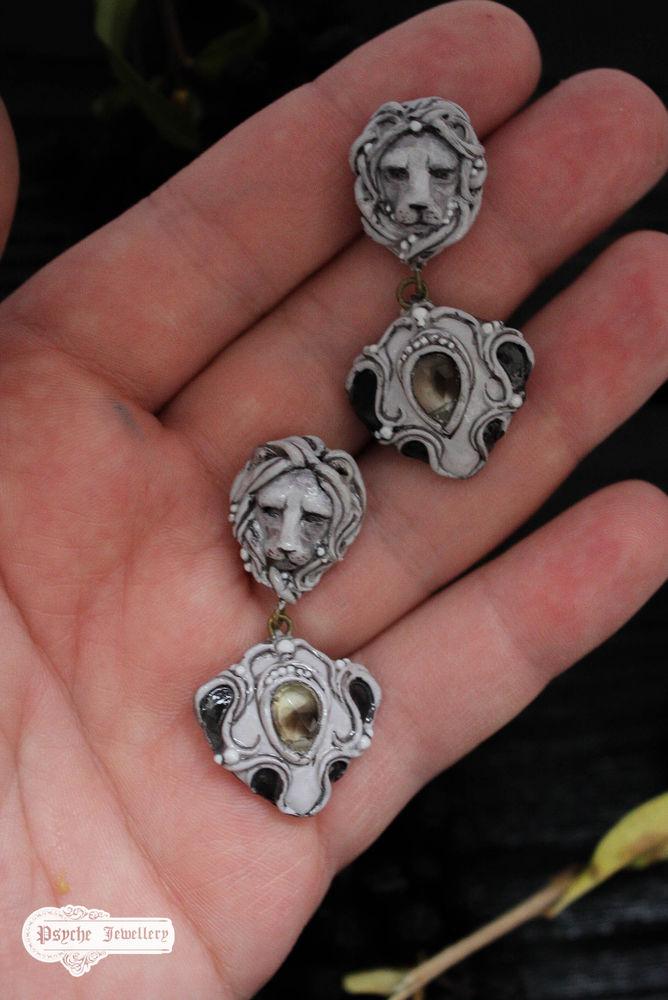 миниатюра, украшения с камнями