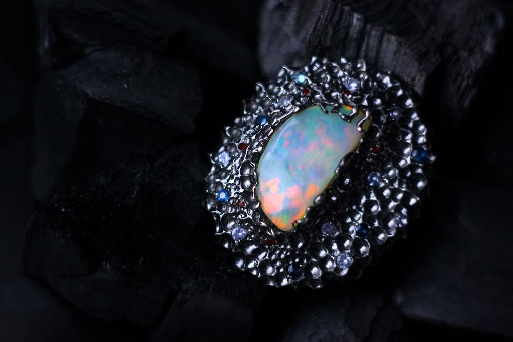 кольцо с сапфиром, эфиопский опал