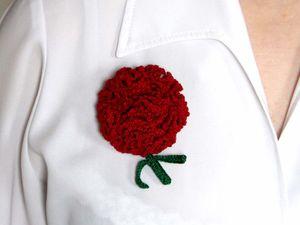 Видеоурок: вяжем крючком брошь-цветок «Красная гвоздика». Ярмарка Мастеров - ручная работа, handmade.