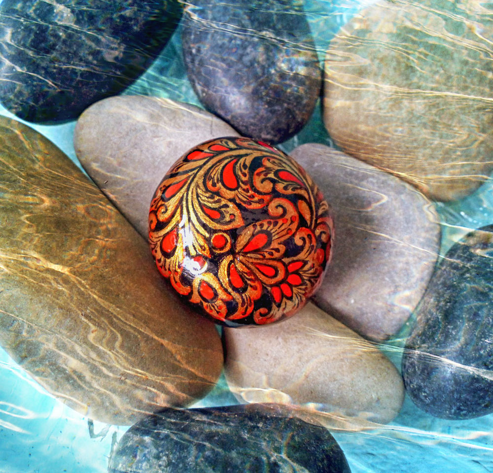 камень с росписью, ручная роспись