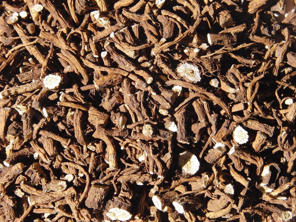 одуванчик лекарственный, дикие травы, фитолавка фито-лавка, мастерица катюша, корни ручного сбора