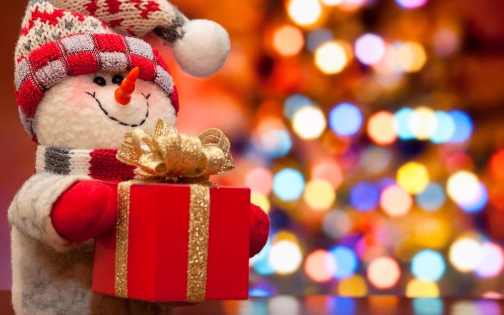 новый год, новогодняя акция, новогодняя распродажа, распродажа, распродажа аксессуаров, теплые шапочки, варежки, носки, шарфы, палантины, снуды, подарки