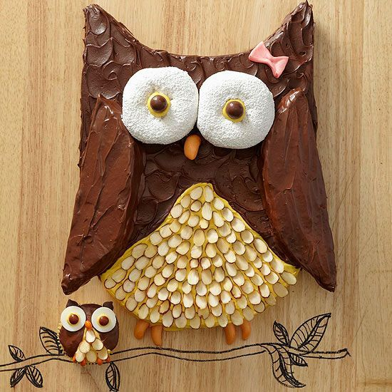 We think this owl cake is a hoot! Find out how to make it here: <a href=