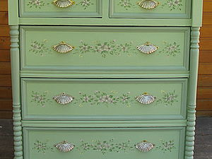 DIY and Inspiration: Restoration and Painting of a Chest. Livemaster - handmade