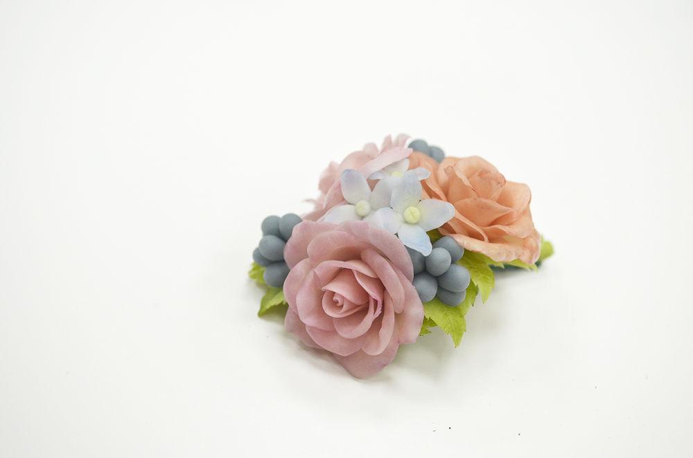цветы из полимерной глины, цветы ручной работы, керамическая флористика, брошь с цветами