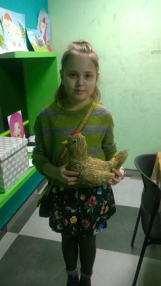 дети, игрушка из сена, сено