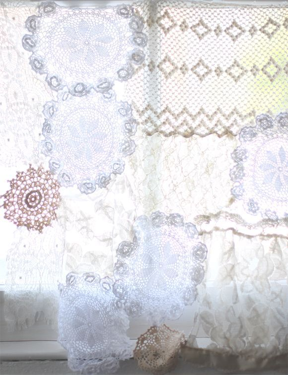 DIY: lace doily curtain