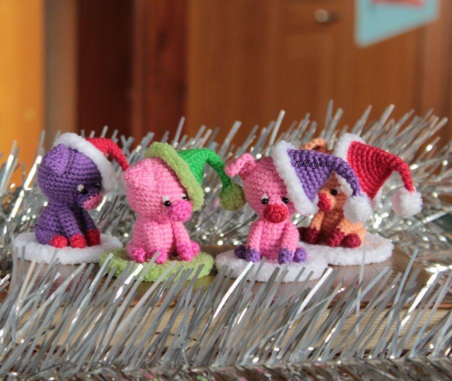 подарок на новый год 2019, хрюшка игрушка, ёлочные украшения, свинья игрушка, магазин игрушек, павлухий pavlukhii, вязаный поросенок, шары на елку, хрюнделя игрушечные, набор елочных игрушек