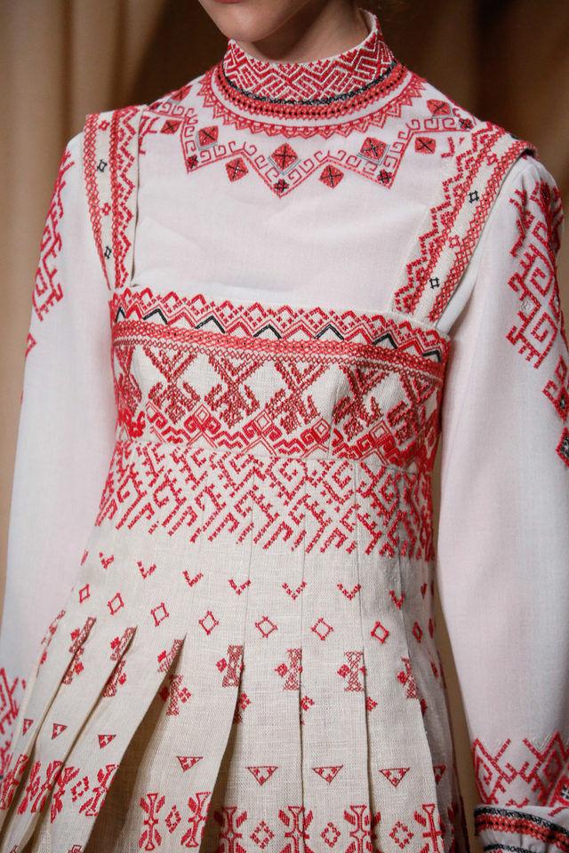 Русские народные узоры на сарафанах