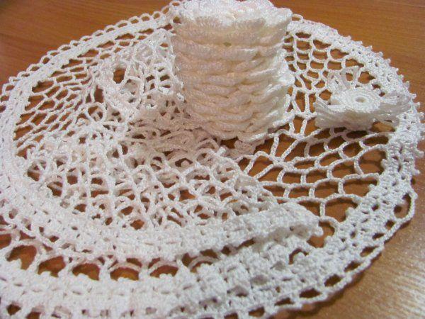 салфетки в подарок, работа на заказ, ирландские розочки, объемные цветы, вязание крючком