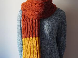 Длинный вязаный шарф с бахромой в коллекции галереи