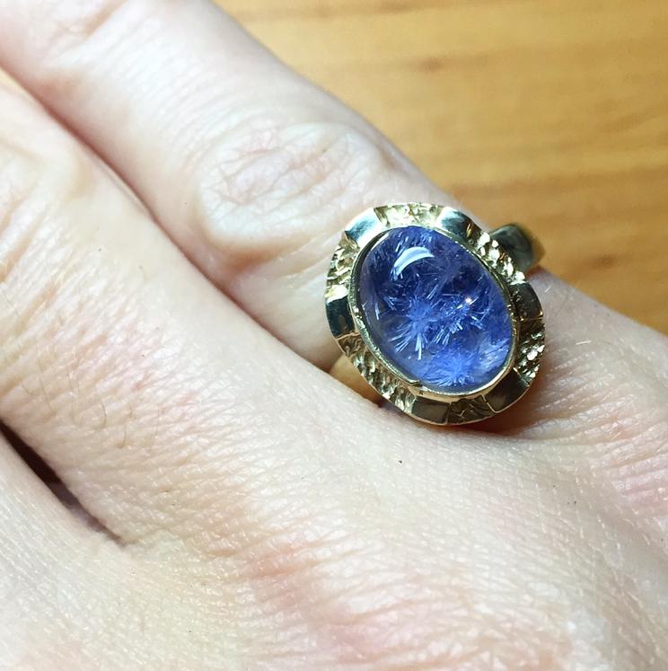 дюмортьерит, дюмортьерит в кварце, кольцо с дюмортьеритом, кулон с дюмортьеритом, золотое кольцо, подарок девушке, подарок женщине, авторские работы