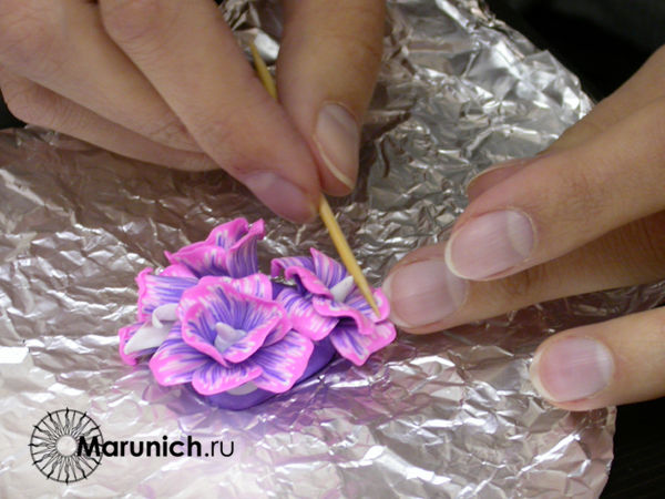 цветы из пластики урок для начинающих, цветы из полимерной глины, уроки для начинающих полимерная глина, цветы из пластки мастер-класс