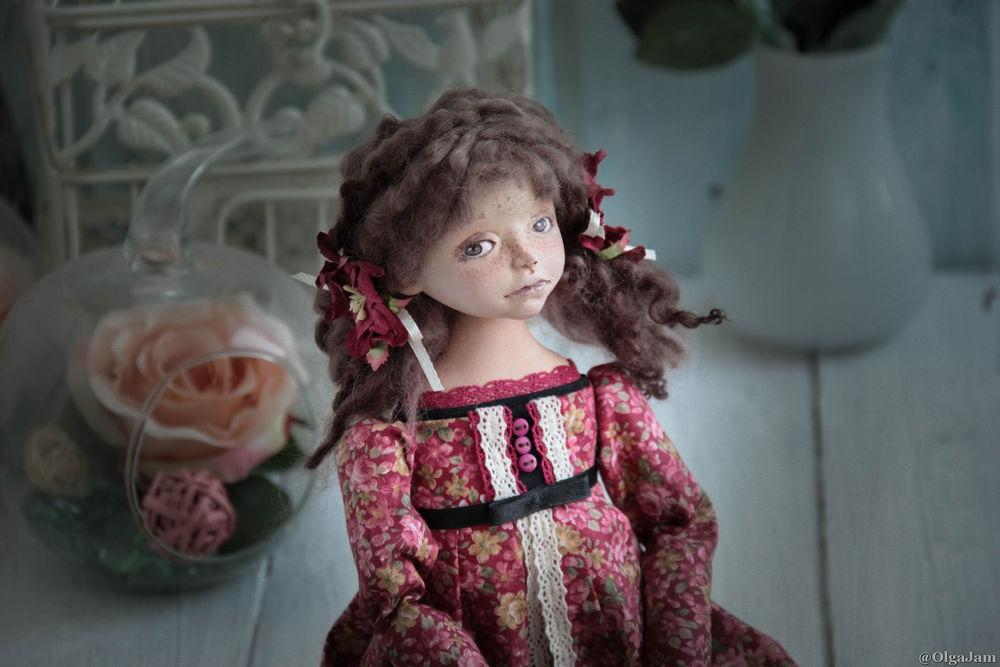 процесс работы, кукла из пластика