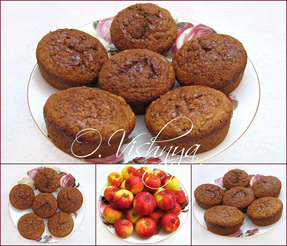кулинарная книга, вышивка гладью, подушки, грелка для чайника, фрукты