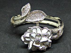 "Joan Rivers Юбилейные часы ""Хризантема"". Ярмарка Мастеров - ручная работа, handmade."
