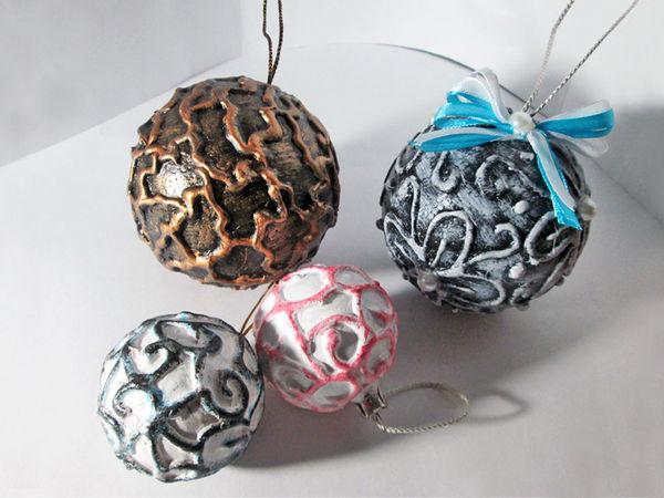 2 идеи декора новогодних шаров горячим клеем: видео мастер-класс | Ярмарка Мастеров - ручная работа, handmade