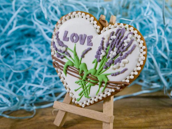 Сладкий сувенир к свадьбе — Пряничные сердечки с росписью «Прованс» | Ярмарка Мастеров - ручная работа, handmade