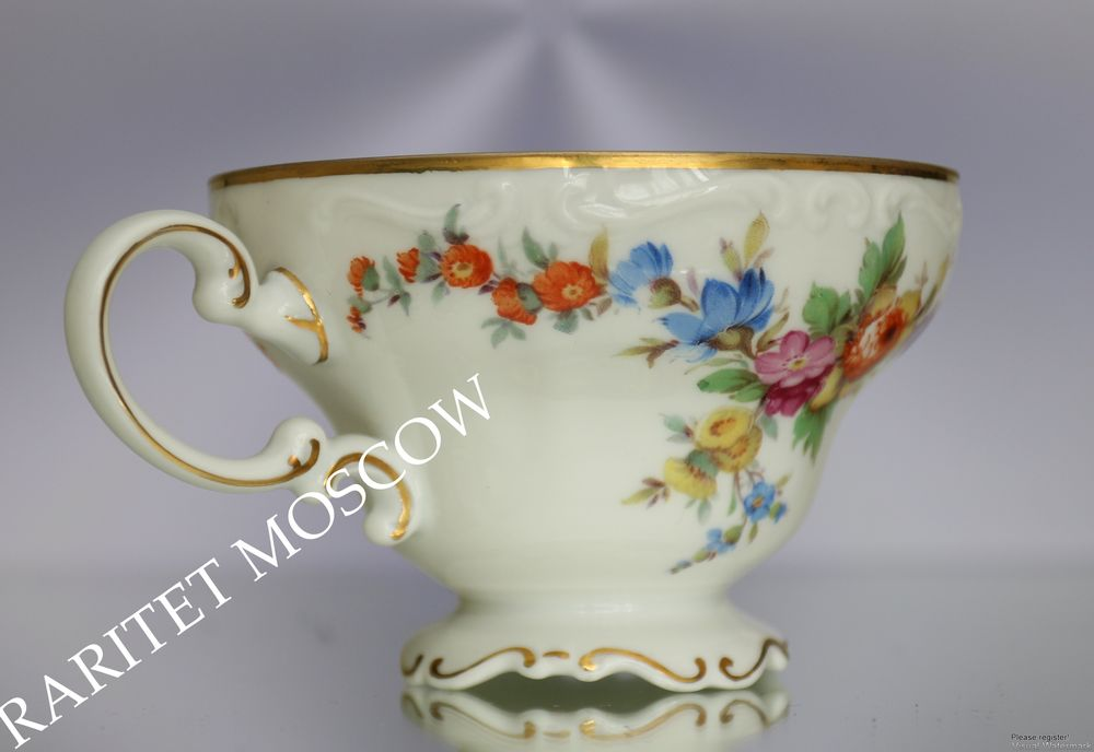 антикварная чашка