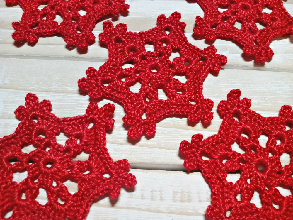 скрап материалы, вязаные снежинки
