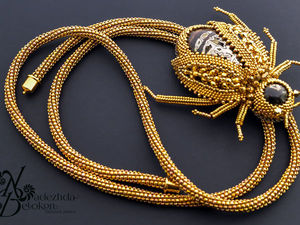 Галстук Боло Золотой Жук из драгоценного бисера и бусин. Ярмарка Мастеров - ручная работа, handmade.