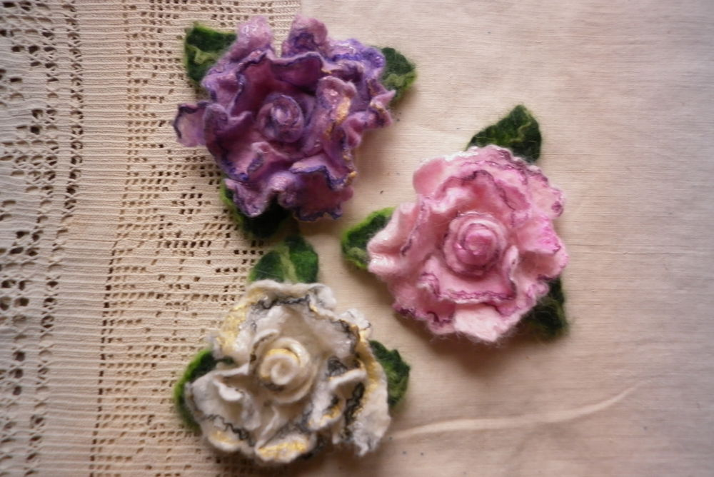 цветы из шерсти, купить валяную брошь