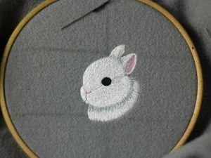 Satin Stitch Brooch with a Cute White Rabbit. Livemaster - handmade