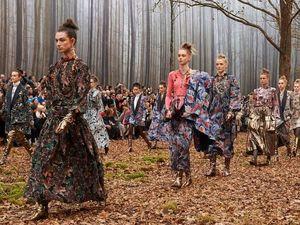 Модный показ Chanel 2018 в лесу. Ярмарка Мастеров - ручная работа, handmade.