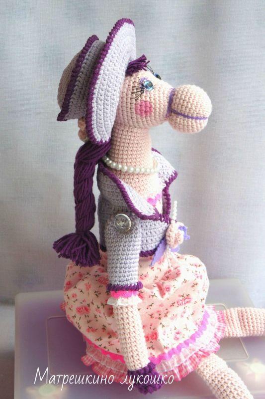 розовая лошадка