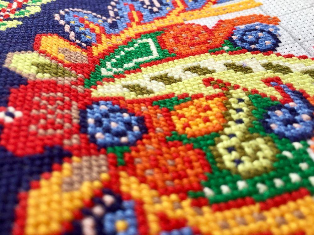 схема для вышивания, вышивка, синий, подушечка