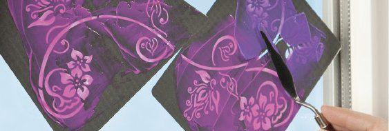 С помощью многослойной техники или наложения разных цветов можно сделать очень красивые цветовые переходы.