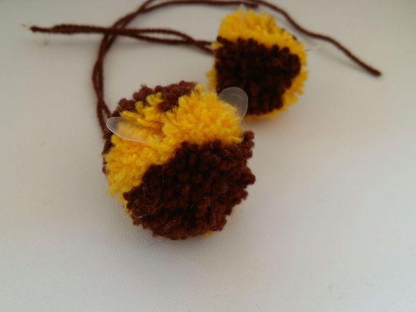 Делаем двухцветный помпон-пчёлку | Ярмарка Мастеров - ручная работа, handmade