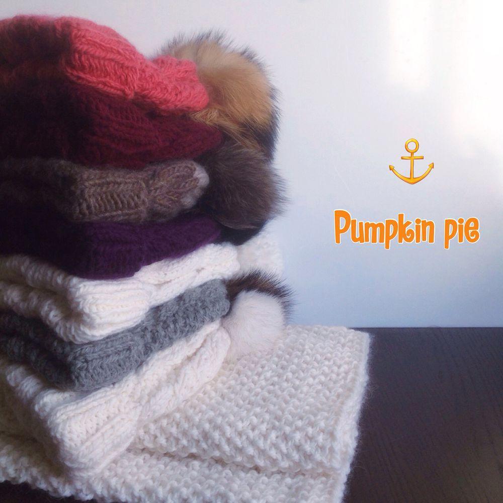 меховой помпон, снуд вязаный, утепляемся, белая шапка, шарф