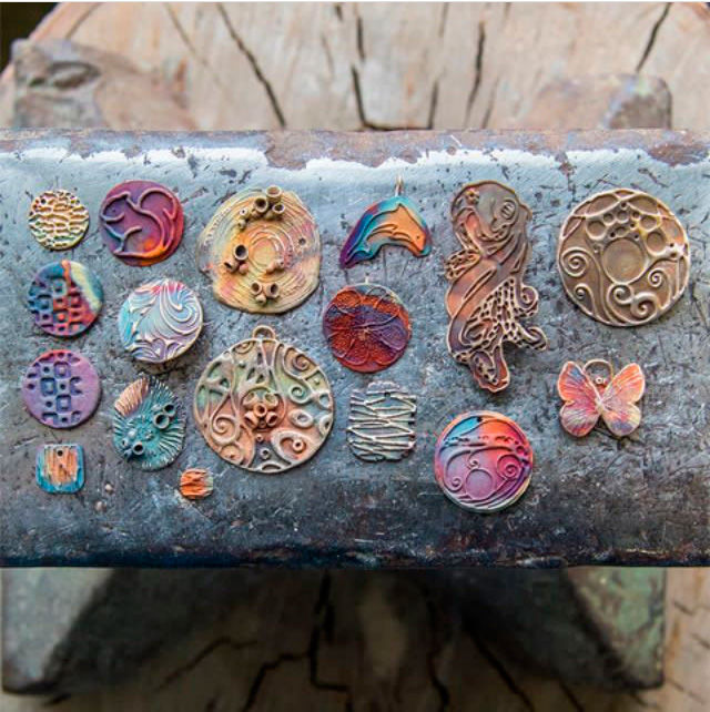 металлические глины, стиль сафари