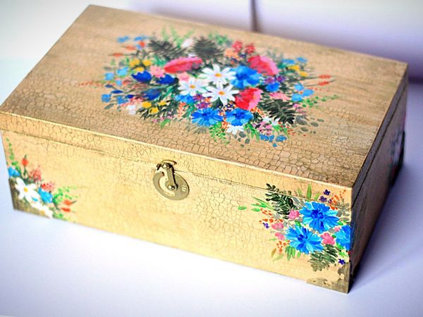 Giving The Second Life To A Wooden Box Restoration And Decoration Simple How To Decorate Wooden Boxes