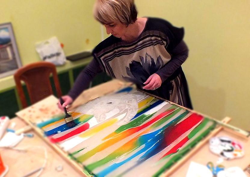 горячий батик, обучению росписи по шелку, роспись платка, уроки по батику