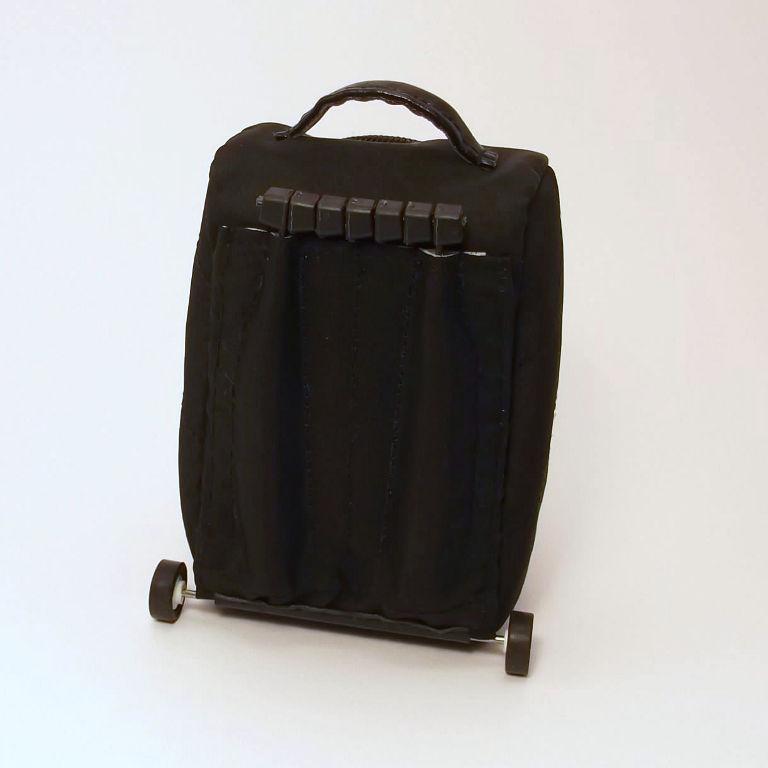 мишка с чемоданом
