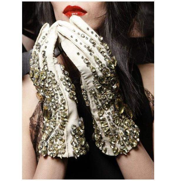 красивые перчатки