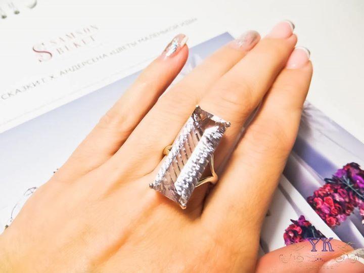 Кольцо с аметистом в серебре.