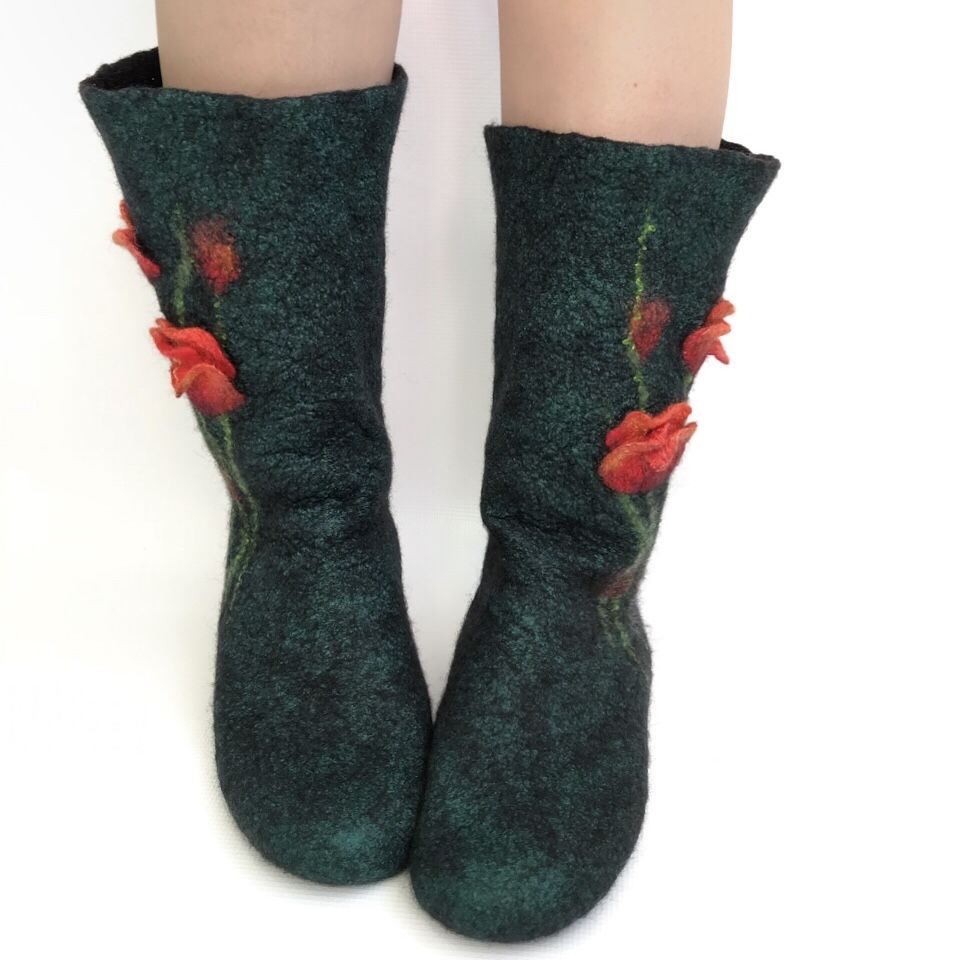 Мастер-класс по мокрому валянию  «Носочки с цветочным декором», фото № 9