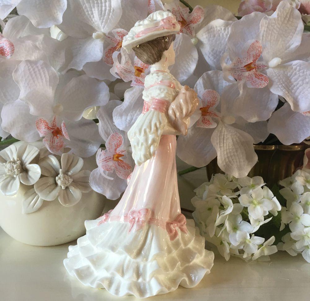 статуэтка дама